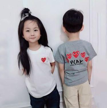 لعب شيرت فاخر مصمم ملابس الاطفال العلامة التجارية الأولاد طفل رضيع الملابس صبي مصمم الفتيات القطن التي شيرت قمم المحملات الملابس بين الوالدين والطفل