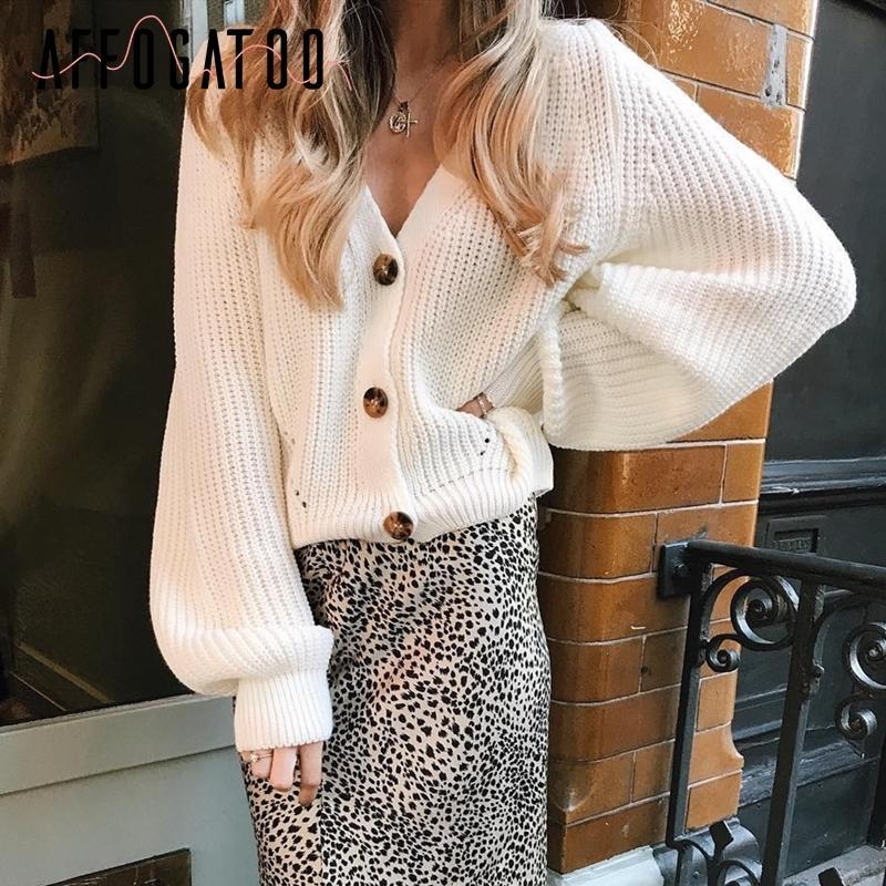 Affogatoo Sexy v-cou tricoté femmes cardigan chandail blanc boutons occasionnels cardigan à manches chauve-souris élégant CX200810 haut pulls dames d'automne
