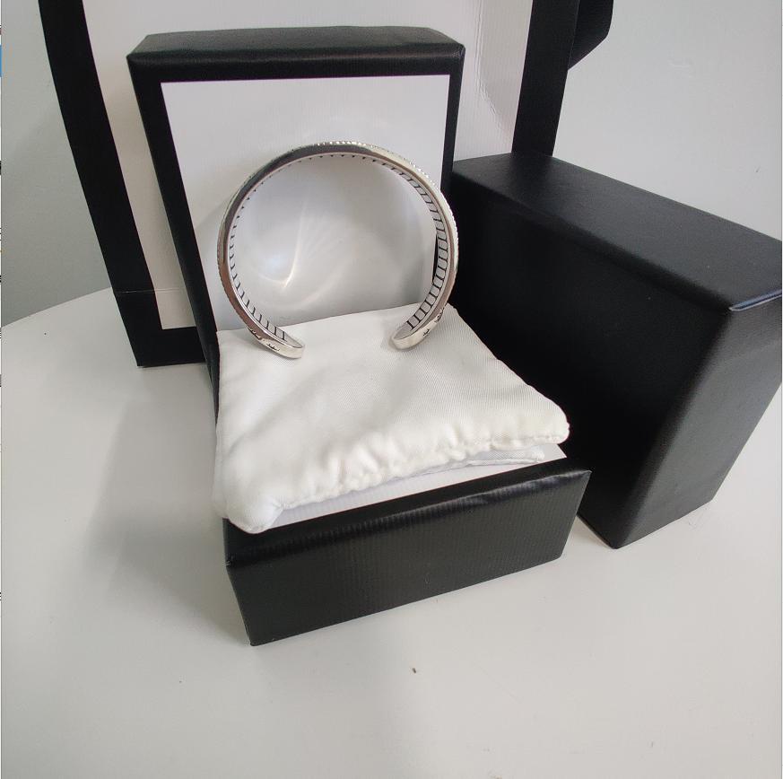 Pulsera abierta ajustable Pulsera de aleación plateada de alta calidad para la joyería de pareja Top Pulsera de la vendimia Suministro