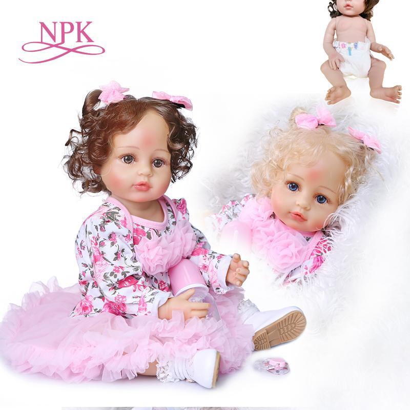 NPK 55 cm orijinal yeni tasarım el tam vücut yumuşak silikon yürümeye başlayan gerçek dokunmatik yeniden doğmuş bebek kız bebek canlı gibi kıvırcık saçları köklü