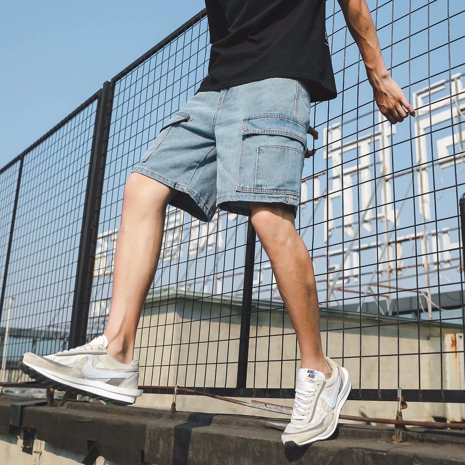 ropa suelta de los hombres de mezclilla 4yjc9 verano recortadas multibolsillos Pantalón a mitad de los estudiantes y el trabajo cortocircuitos rectos ropa de trabajo pantalones cortos de los pantalones de moda