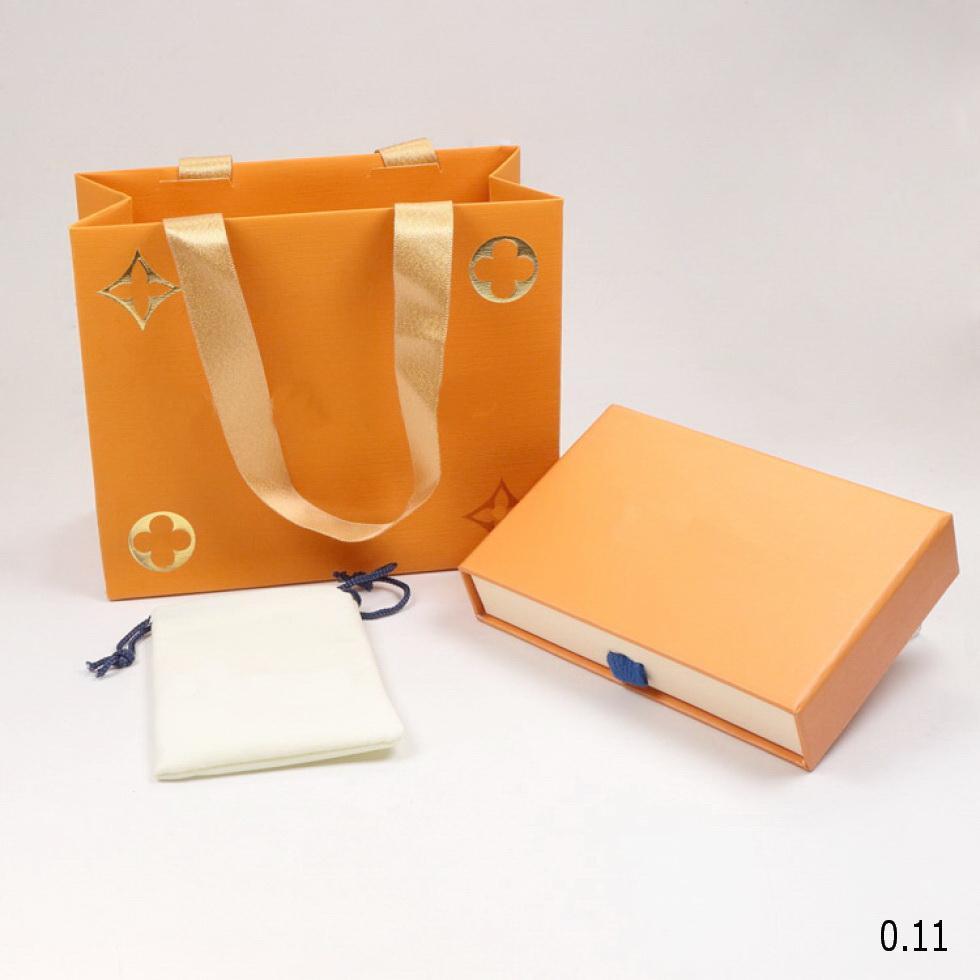 Conjuntos Moda Jóias V Letter colares pulseiras brincos caixa de anel Define o saco de poeira Gift Bag (Comparar as vendas armazenar itens, e não vendido individualmente)