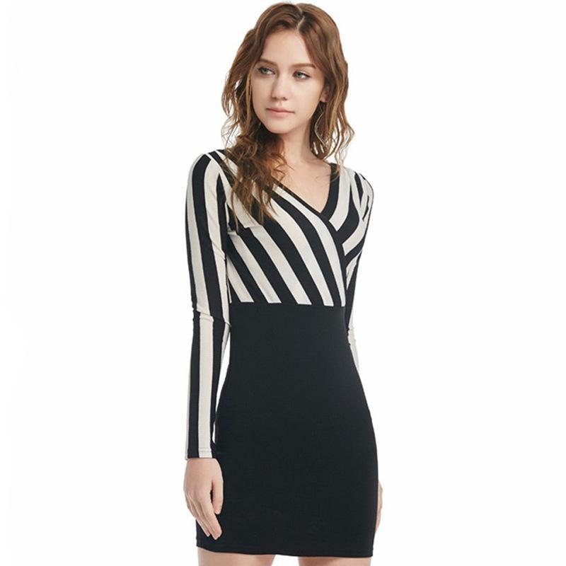 Este año y el otoño del invierno de las mujeres que basa la nueva falda de rayas de manga larga atractiva del vestido ocasional