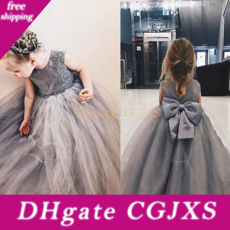 Silbergrau Sweety 2020 Ballkleid-Blumen-Mädchen-Kleider Jewel Backless Appliques mit großen Bogen Tulle Tiered Röcke Kommunion Kleid