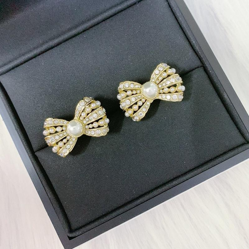 C2156 Işık lüks moda pruva küpe aksesuarları yapay elmas boyutu pirinç inci küpe toptan bayan düğün takı
