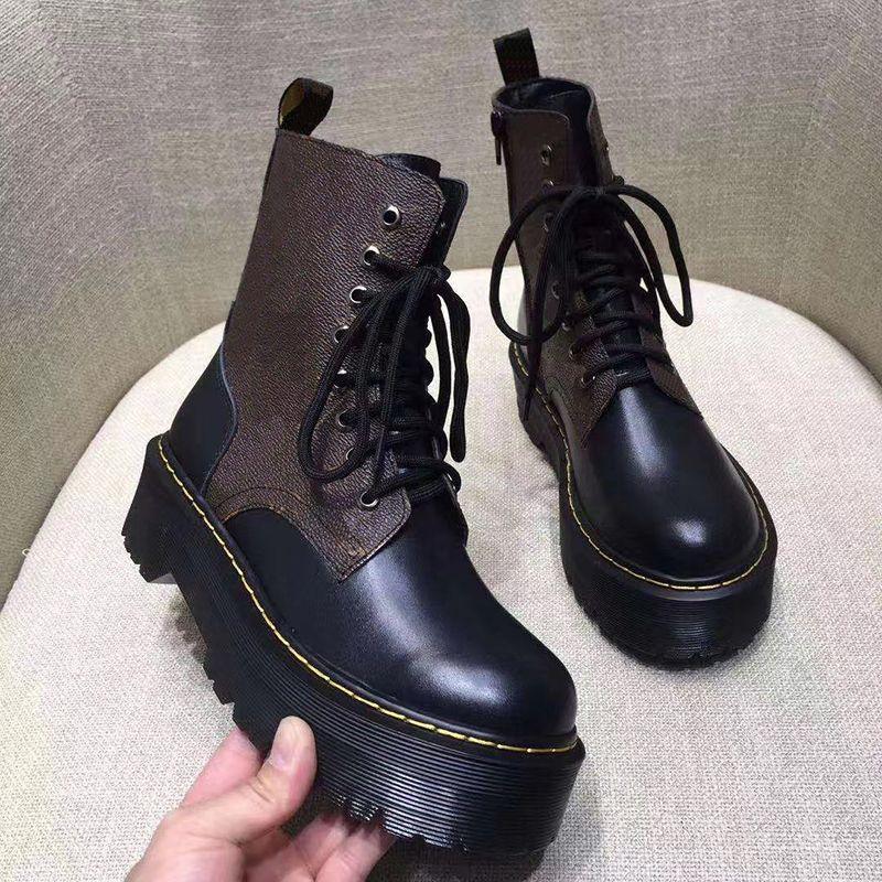 Donne piattaforma Martin Boot Jadon Liscio Black Lace Up Boots Designer Stivaletti Stivali da combattimento Boot Chunky Bootswith Track Suola con scatola