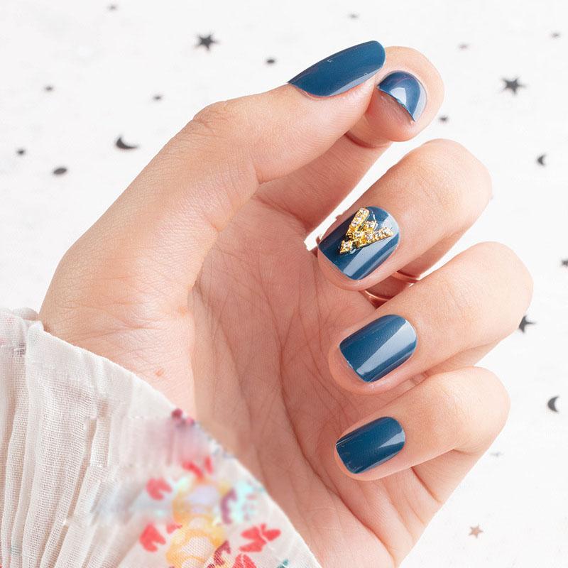 24X Summer Haze Blue Diamond-Dekor-Mode Künstliche Nägel drücken auf Flecken Frau Elegante Glamorous Nagelspitzen Fertigprodukte