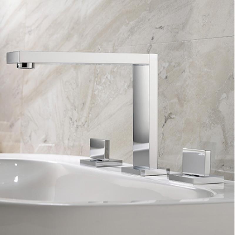 rame di modo lavabo tre fori rubinetto contempla doppio manico adatto per freddo e rubinetto miscelatore caldo accanto vasca