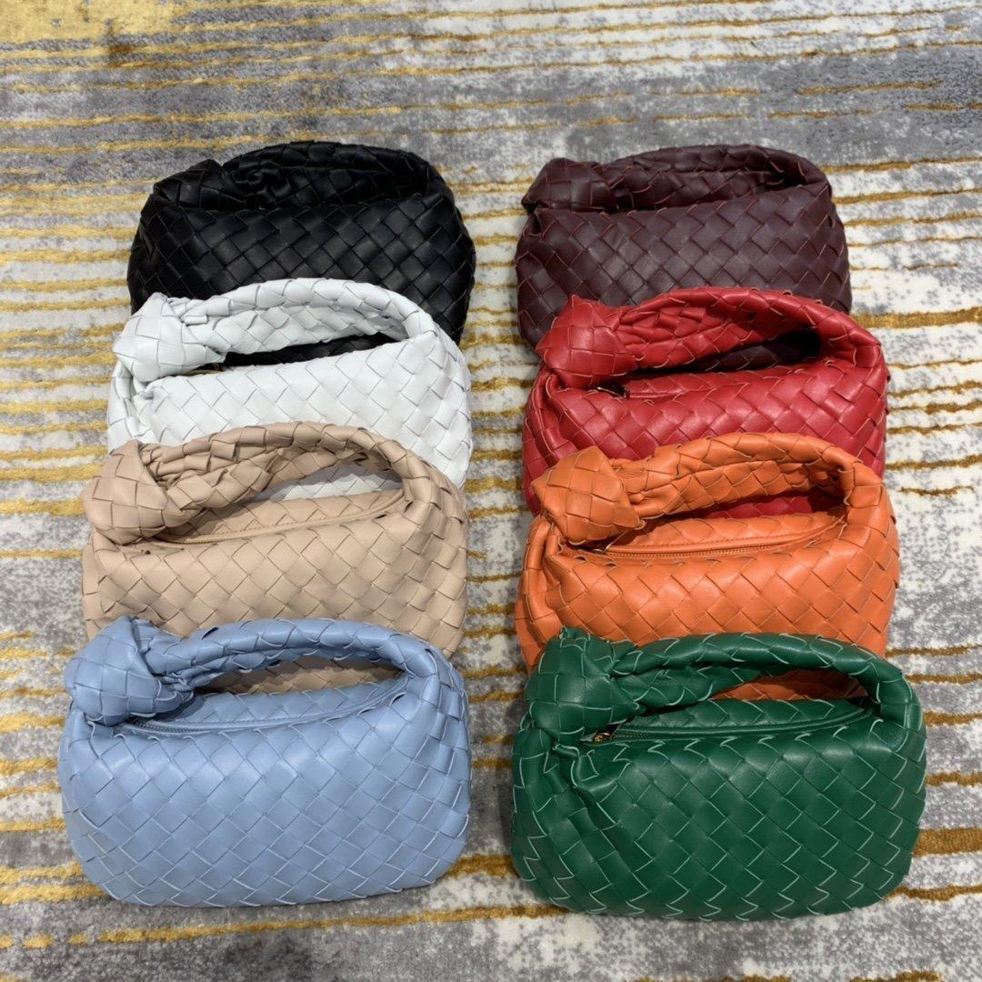 2021 Klasik Küçük Kare Çanta Lüks Tasarımcı Çanta Büyük Kapasiteli Çanta High-end Moda Çanta Dört Renk mevcuttur Basit Şekil Daha çekici yapar