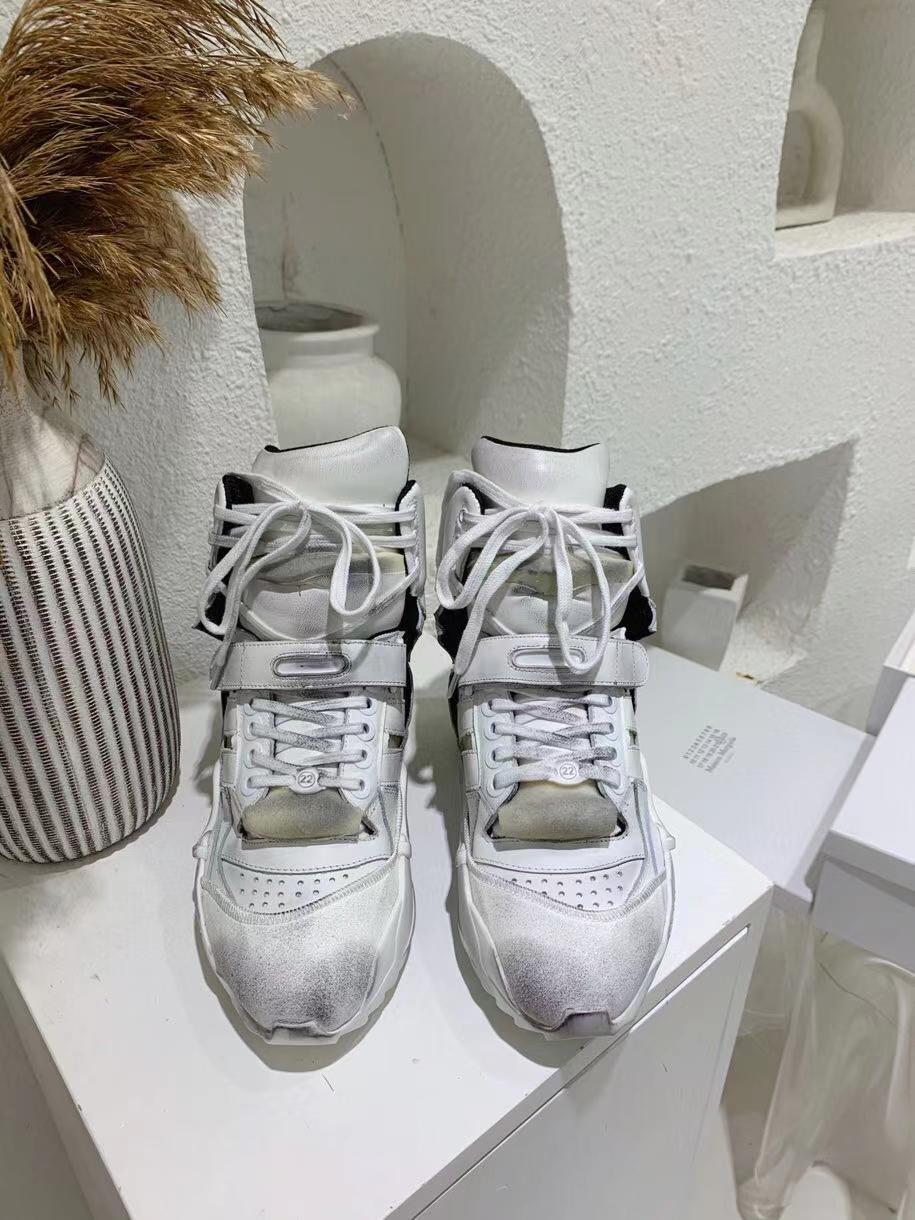 2020 automne hiver nouvelles chaussures casual sport high-top en cuir Chaussures hommes de concepteur de luxe tendance a augmenté