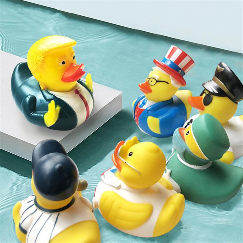 Купания Игрушки США Выборы Trump Duck Ванна Игрушка душ Fun Rubber Duck Дети ванна желтого уток партии Supplies OWC1223