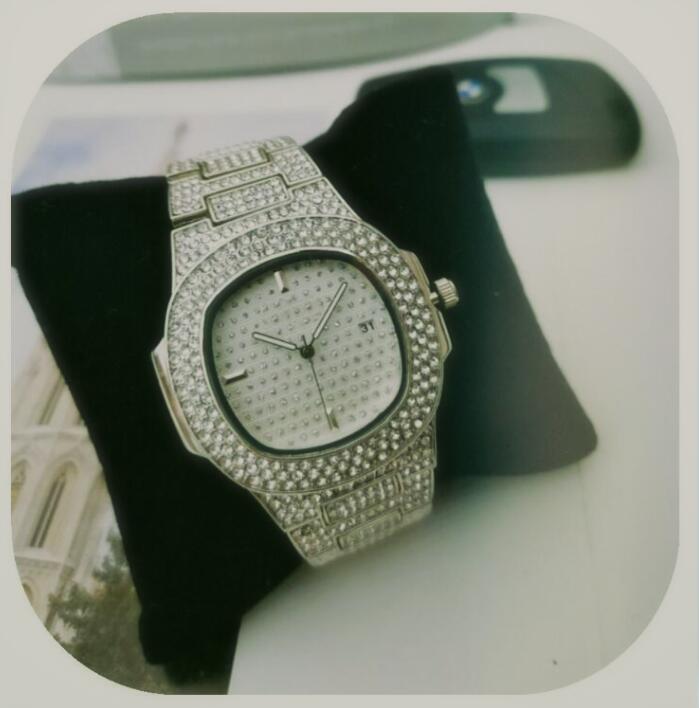 op Marque de luxe Glacé Montre d'or Diamond Watch pour Hommes Femmes Quartz Place Waterproof Montre-bracelet Relogio Masculino