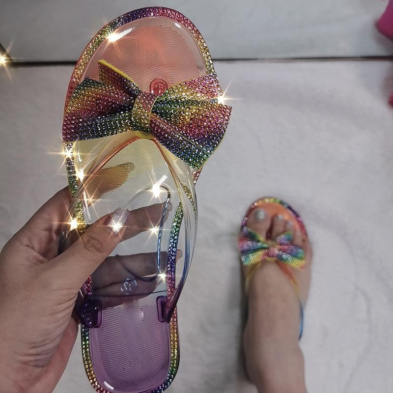 Женщины тапочки 2020 Слайды Мода дамы Прозрачный Женщина Кристалл Bling обувь Самка домашние тапочки Lady пляж Шлепанцы