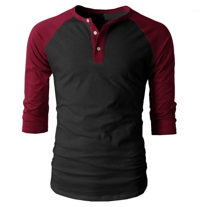 Gevşek Kazak Tshirts Günlük Moda Erkek Tees Kasetli Erkek Tasarımcı tişörtleri Yarım Kol Düğmesi Mürettebat Boyun Casual
