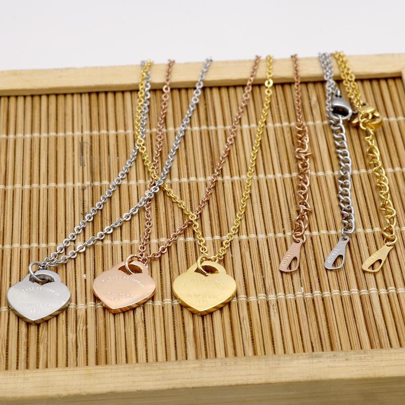 Beliebte Edelstahl-Herz-geformte Halskette T Startseite Halskette Short Weiblicher Schmuck 18 K Gold Titan Stahl Einzel-Pfirsich-Herz-Halskette
