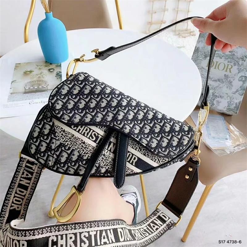 vendas baratos 2019 marcas populares Hot designers de luxurys Lady bolsas do ombro das mulheres sacos de alta qualidade da mistura das senhoras Di'or Saddle saco de cores