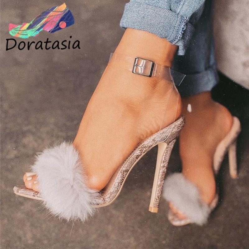 DORATASIA Seksi Yüksek Topuklar İnce Ayakkabı Seksi Parti Tarihi Yaz Sandalet Kadınlar 2020 Trendy Faux Kürk Dekorasyon Sandalet