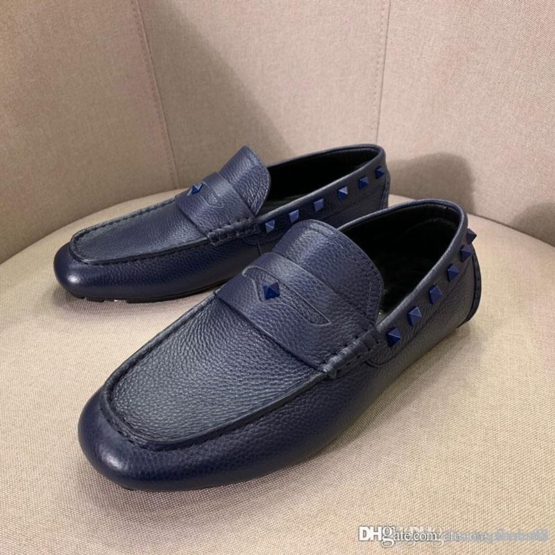 de moda de luxo homens sapatos de couro real flat sapatos formais rebite Peas sapatos confortáveis e tênis respirável casuais de alta qualidade
