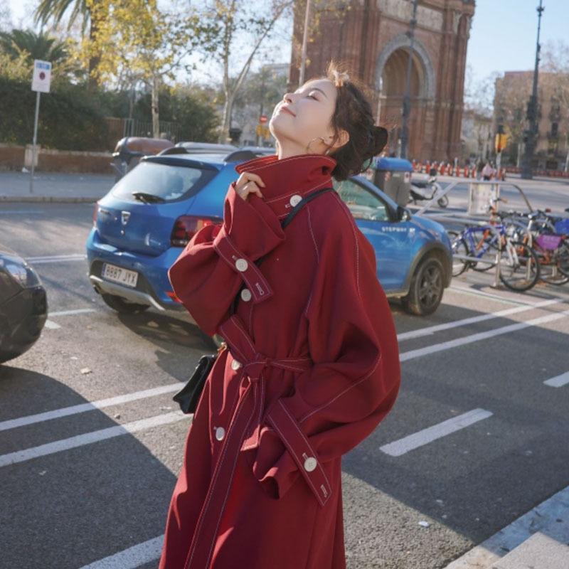 Mid-comprimento de KrRNP Windbreaker Mulheres 2020 popular, casaco da mulher blusão roupa nova primavera-coreano estilo solto emagrecimento cintura Overknee co
