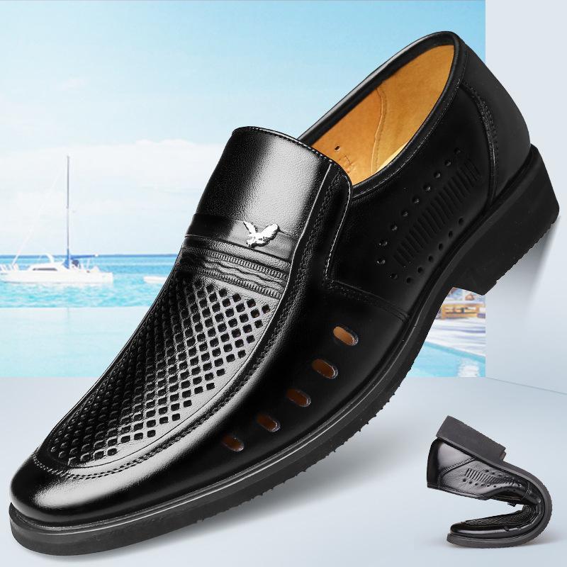 Zapatos de cuero hueco transpirable verano 2020 de los nuevos hombres de cuero genuino sandalias Slip Negro de negocios formal de los hombres en los hombres de los holgazanes