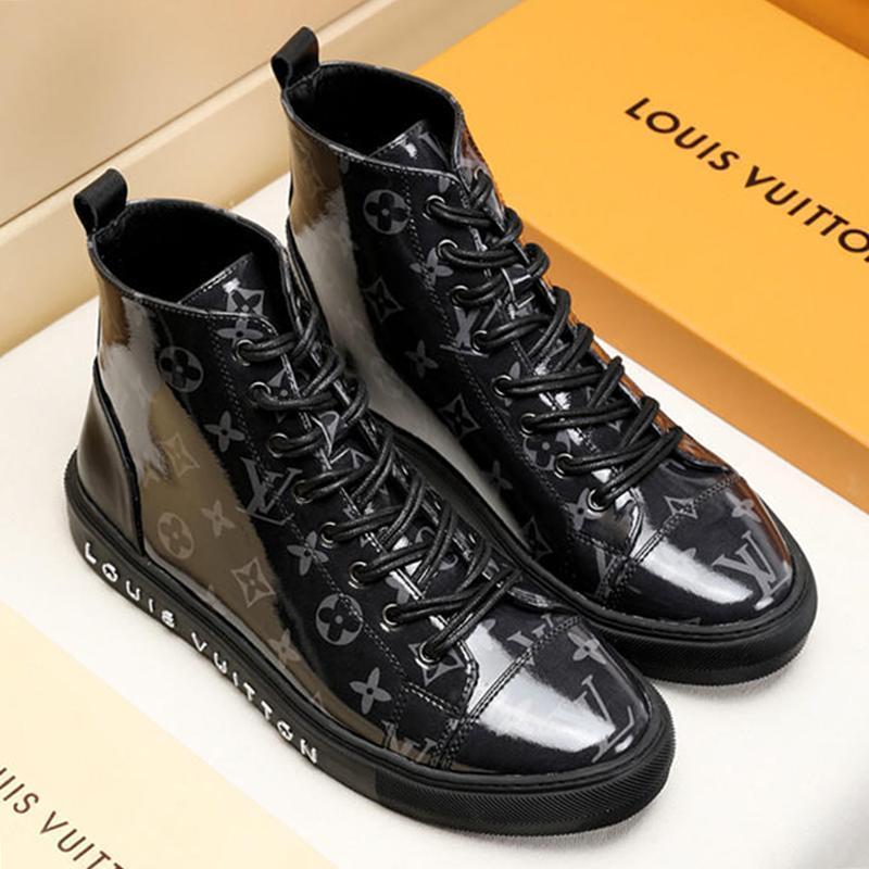 Shaspet Nouveau mode bottes pour hommes en cuir Bottes Hommes Chaussures Casual caoutchouc Plate-forme de travail en cuir Hommes Bottes Taille Plus M # 19 Hot Tattoo Sneaker