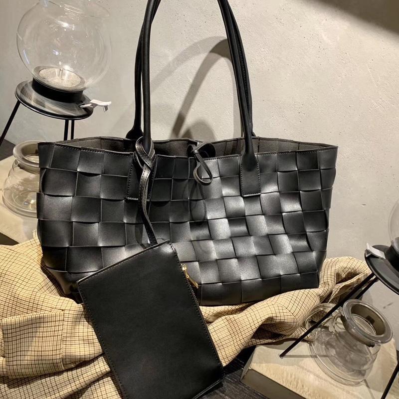 스타 넷은 같은 단락 직물 어깨 가방 야생 용량이 큰 여성 가방 2019 새로운 패션 가을, 겨울 디자이너 핸드백 레드