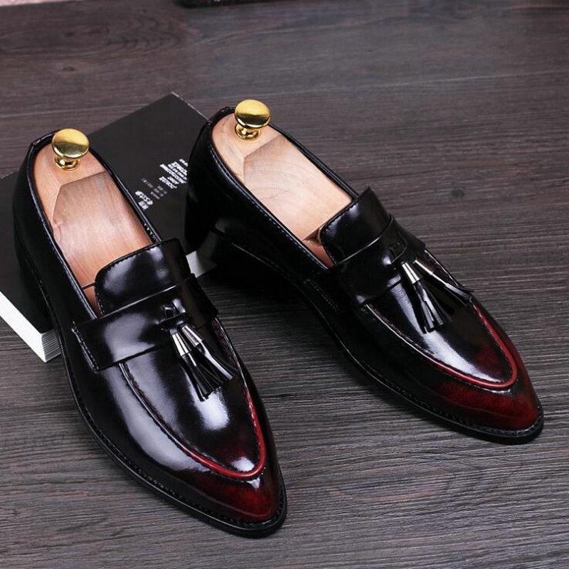 브랜드 남성 정장 플랫 패션 옥스포드 브로그 신발 뾰족한 발가락 드레스 웨딩 슈즈 유명한 술 신발 남성