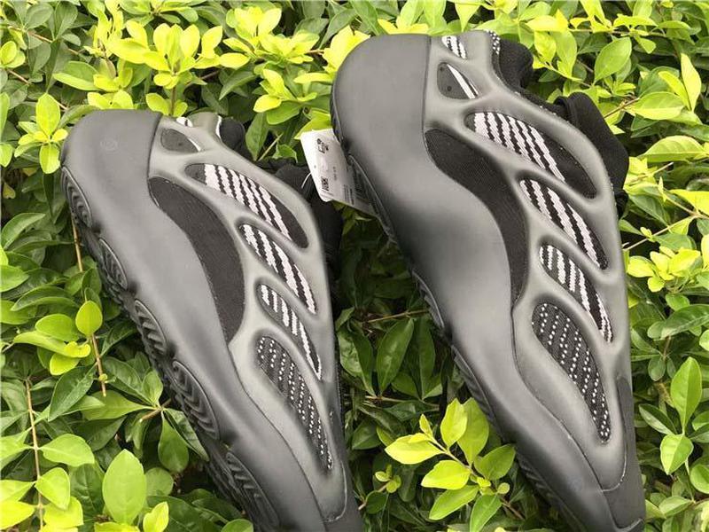 En Kanye West 700 V3 Alvah Siyah Azael 3M Yansıtıcı Dalga Runner Glows In Dark Erkekler Kadınlar Spor Sneakers ile Kutusu H67799 Koşu Ayakkabıları