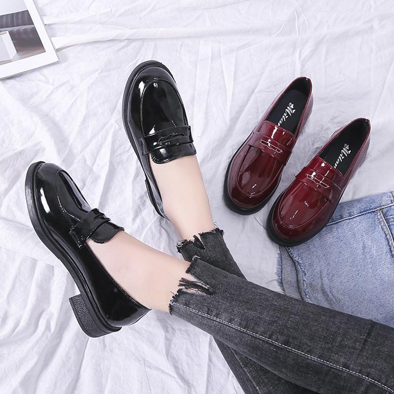 Loafers Schuh-echtes Leder-Schuhe aus Lackleder Nude Schuhe New Arrivals Gezeiten beiläufige Turnschuh-Wohnung Büro-Frauen Marke