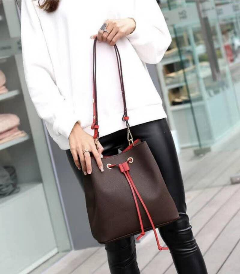 Bucket bag Designer Fashion Coloured Strap Women Drawstring Cross Body Pu Shoulder Bag Casual Handbag Wholesale High Quality