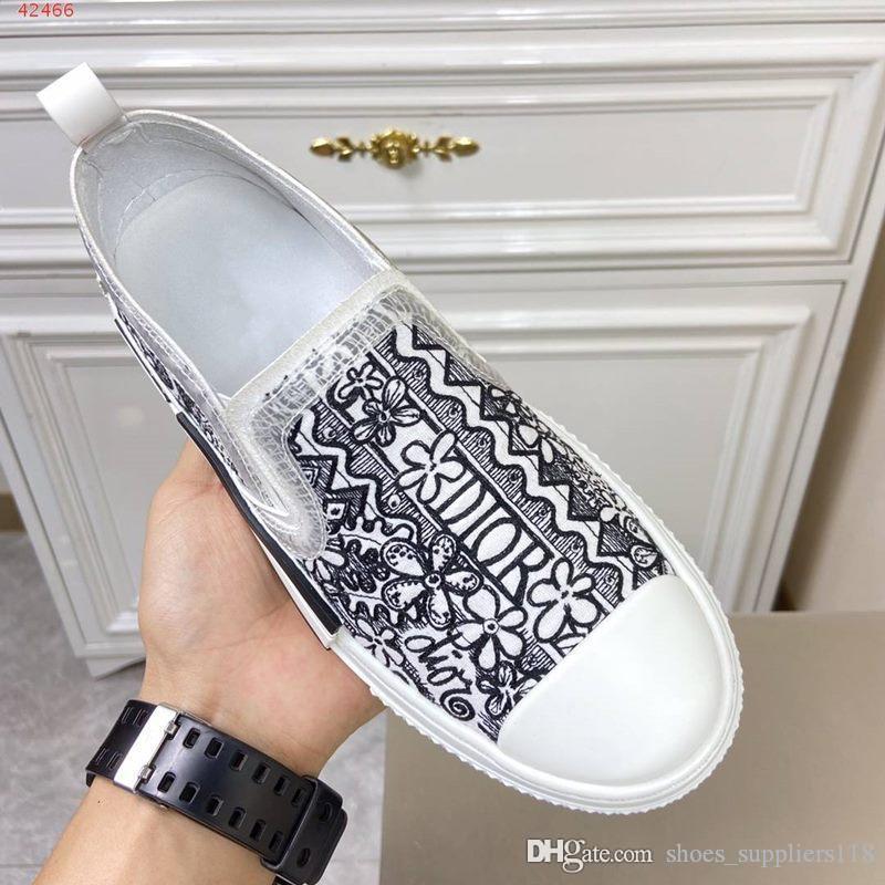 Boutiques sono esauriti pelle uomini scarpe casual senza lacci bianchi e neri scarpe stampati per gli uomini in gomma e tela Disegno del mosaico
