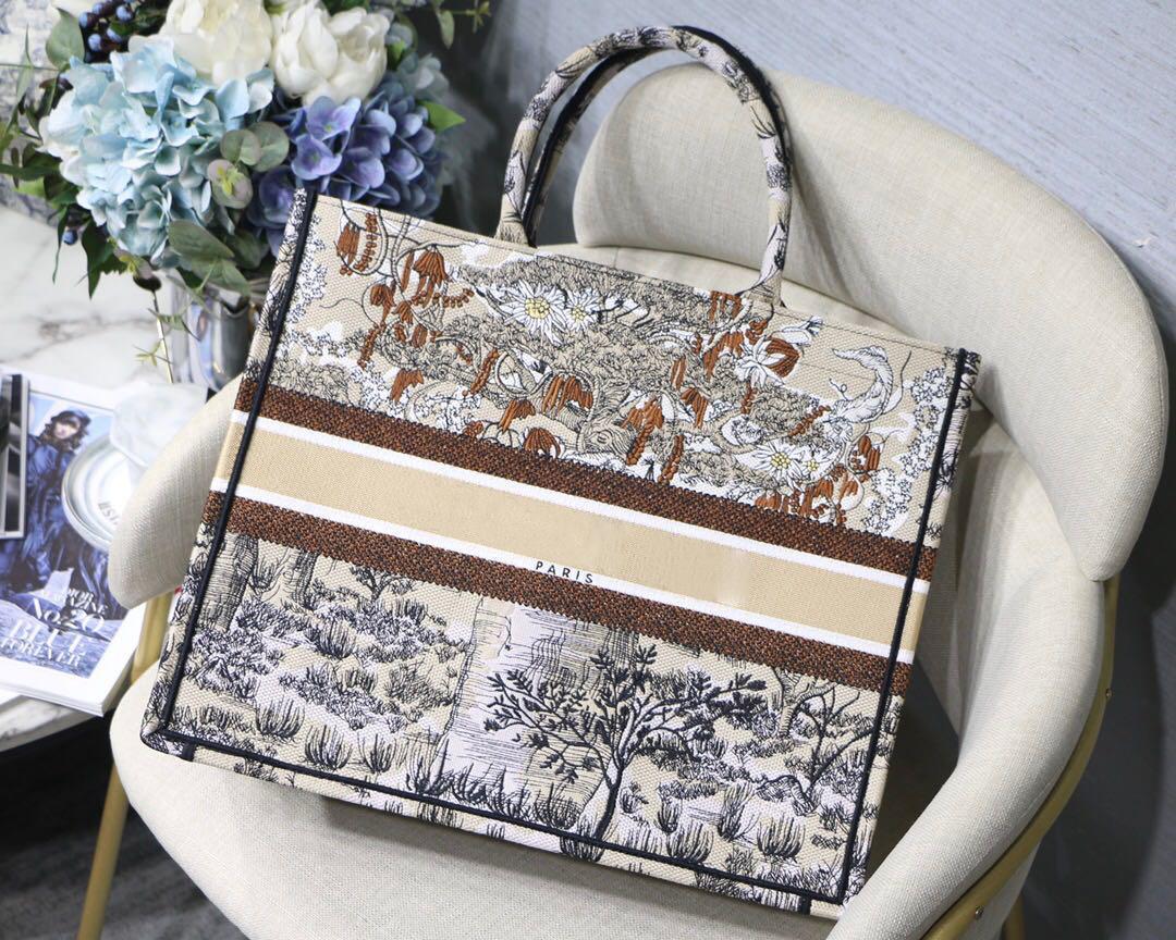 Настраиваемое имя Высочайшее качество Классическая красочная книга сумка сумка дизайнерская сумка вышитая сумка большая емкость путешествия холст покупок сумок