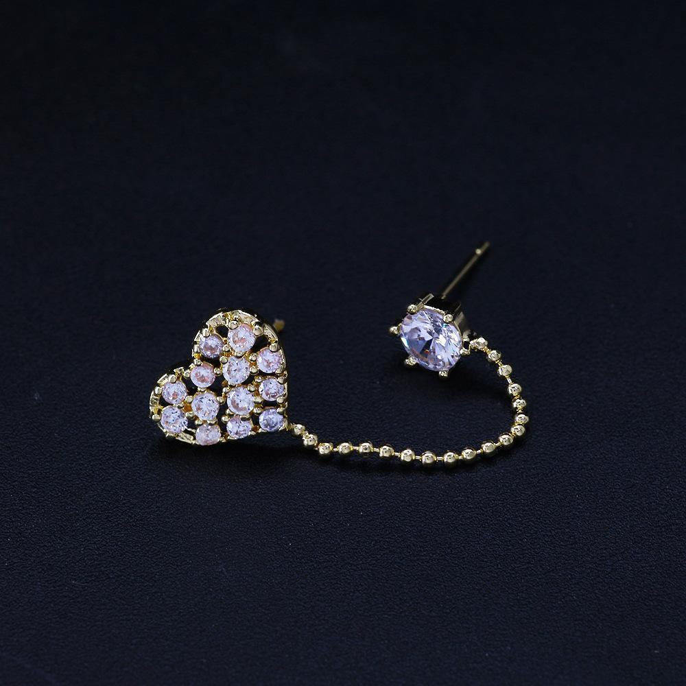 Beliebtes Kupfer mit großem glänzendem Diamanten-Frauen-Ohr-Bolzen-Frauen arbeiten Schmucksachen für Straßen Metall Zubehör