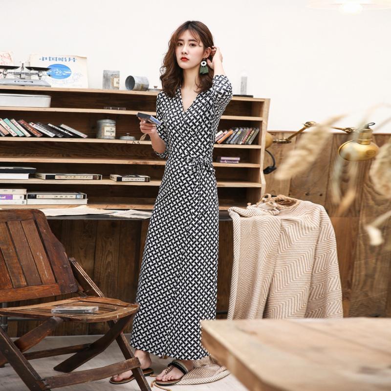 Abiti casual Dress Dress Stampa coreana stampa donna in bianco e nero lungo vintage fibre di poliestere vintage (Polyest Spring Pleated