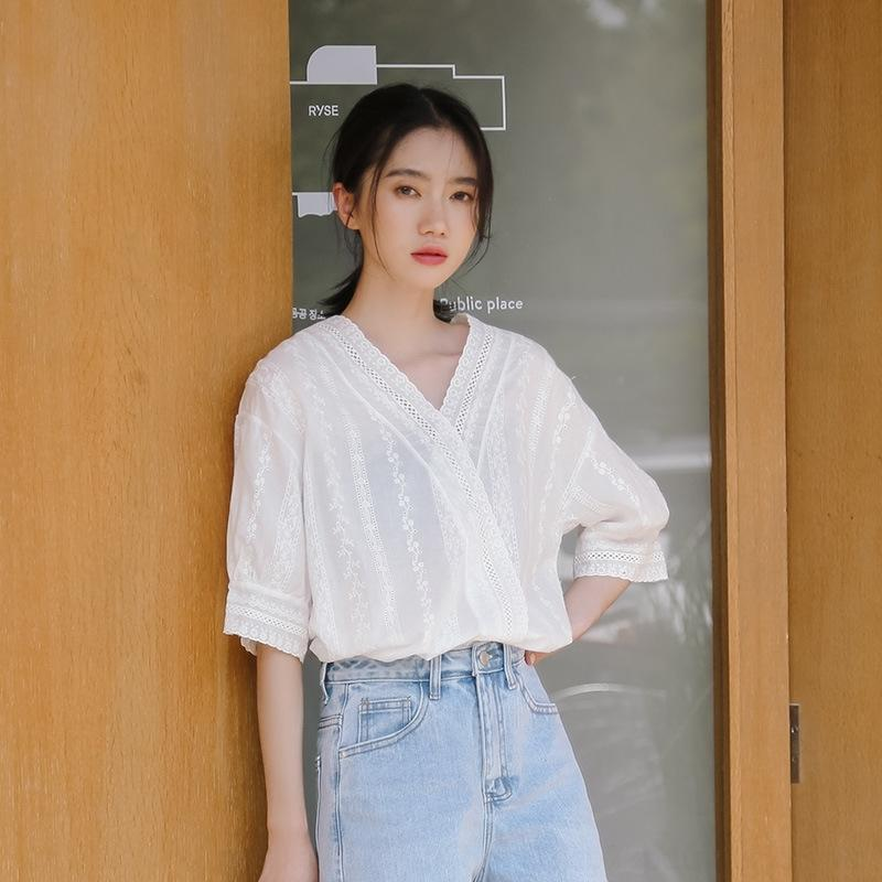cordón del V-cuello de beV62 Mujeres 2020 Verano nuevo estilo coreano de manga media de Super hadas camisa blanca abierta clavícula camisa blanca Arriba top