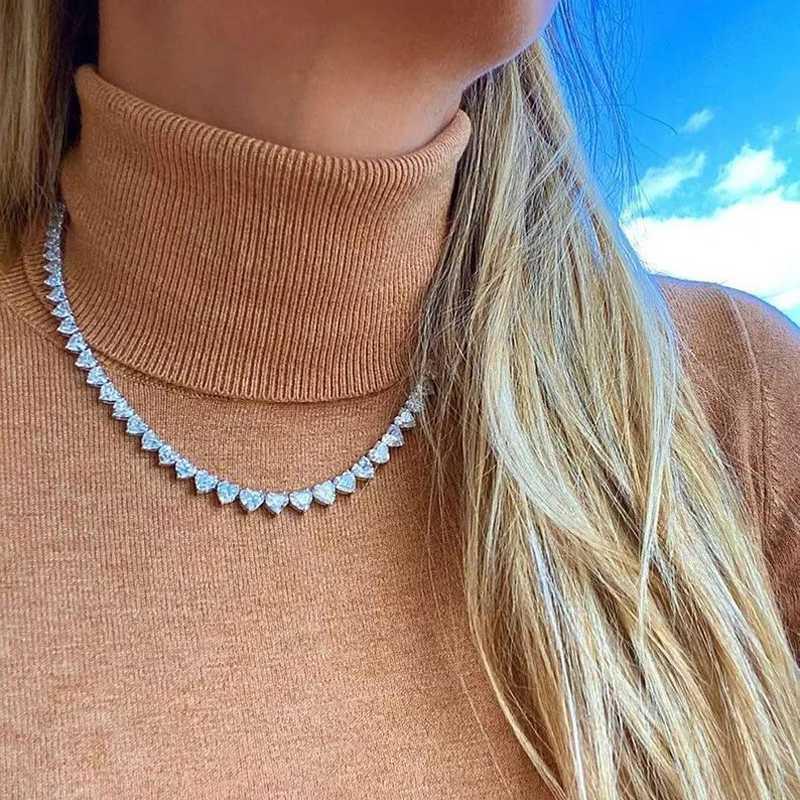 2020 VERANO ICED OUT BLING 5A CORAZÓN DE CORAZÓN CZ Pavimentado Corazón Tenis Collar para mujer Novia Día de San Valentín Joyería de moda
