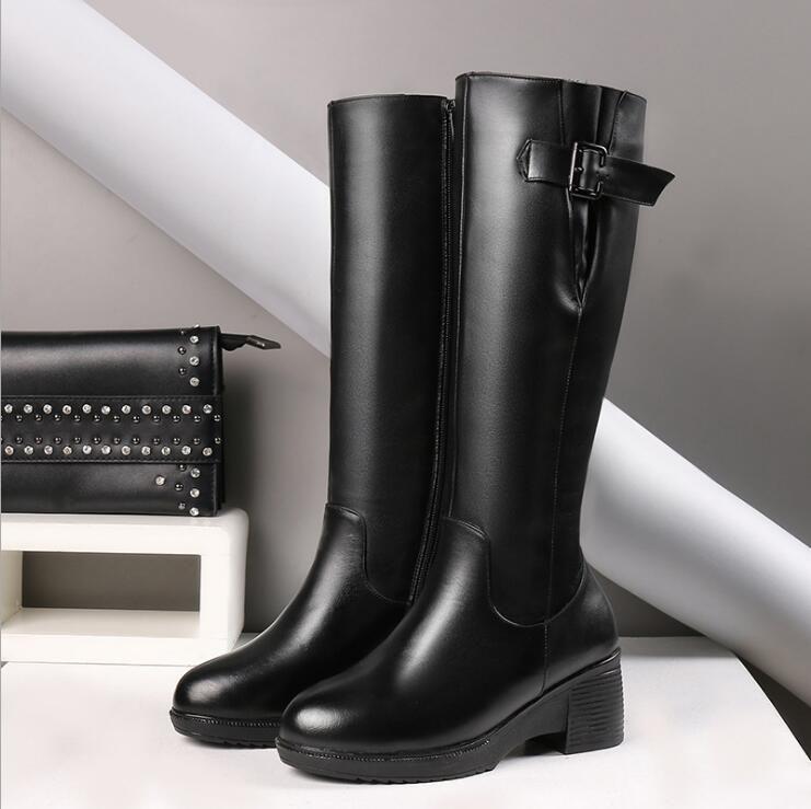 Designer fashion latest female Martin Desert Boots Flamingo Arrow Medal leather rough high quality winter shoes
