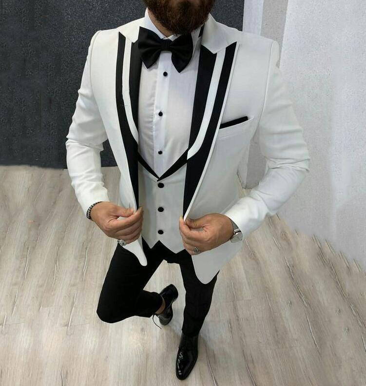 Picco Bianco risvolto abiti da uomo 3 pezzi (giacca + pantaloni + Vest) Abiti smoking dello sposo da sposa per abiti da uomo su misura Groomsman