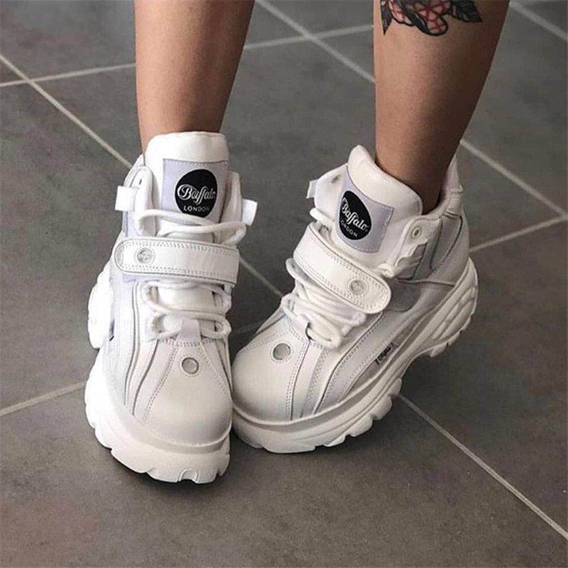 zapatos inferiores gruesos 2020 Perfecto marca de fábrica calza las zapatillas de deporte de las mujeres del cuero auténtico zapatillas de deporte de la plataforma Las señoras forman los zapatos de las nuevas mujeres del papá