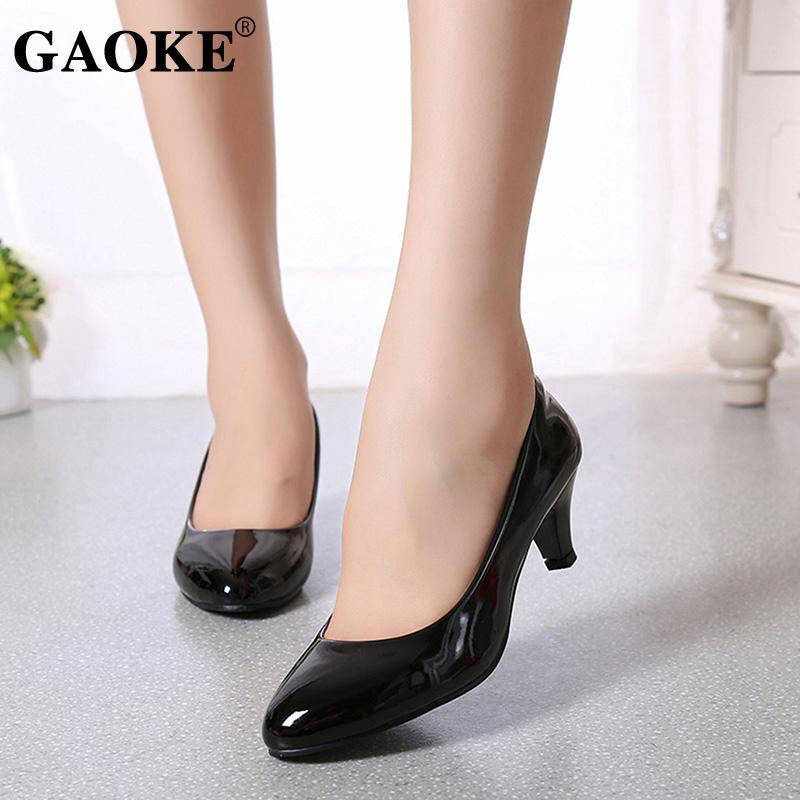 Mulher sexy salto baixo sapatos de mulher Rodada Toe sapatos de salto partido nupcial Platform Lolita Red Spring Summer Calçado