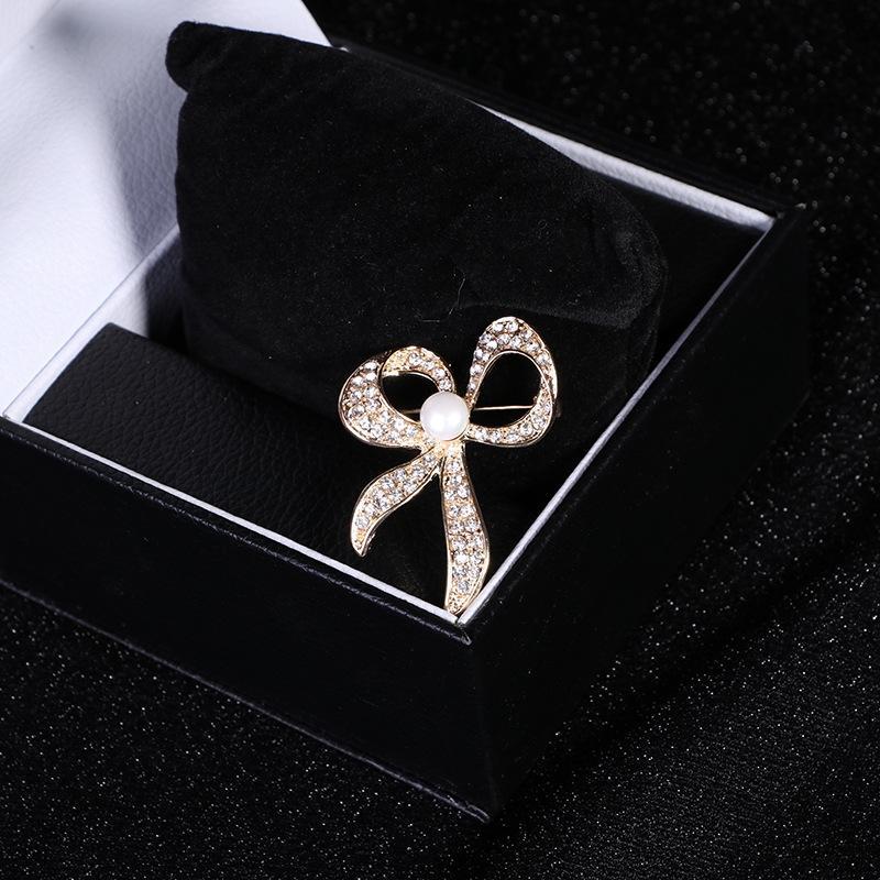 abbigliamento di cristallo fiocco di diamanti 2a46N farfalla gioielli gioielli arco accessori di cristallo di diamante spilla accessori di abbigliamento strass butterfl