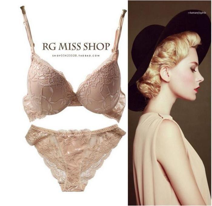 Frauen reizvolle Stickerei Bras Sets Designer Lace Push-Up Bügel Siehe Obwohl Underears Weibliche Fashion Unterwäsche