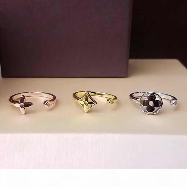 Marke Blumen-Entwurfs-Ring-316L Titanstahl hohle Blumen Drei-Ton-Dreiteilige Ring Frauen arbeiten Gold 18K Öffnungs-Ringe-Liebhaber-Geschenk