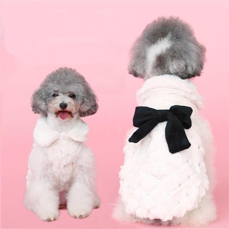 Abbigliamento cane BOWKNOT BOWKNOT Peluche Peluche in peluche Charms Dogs Abbigliamento intarsiato Crystal Puppy Abbigliamento gatto carino Chien Gilet Animal Pet Forniture Inverno 22 9hy C2