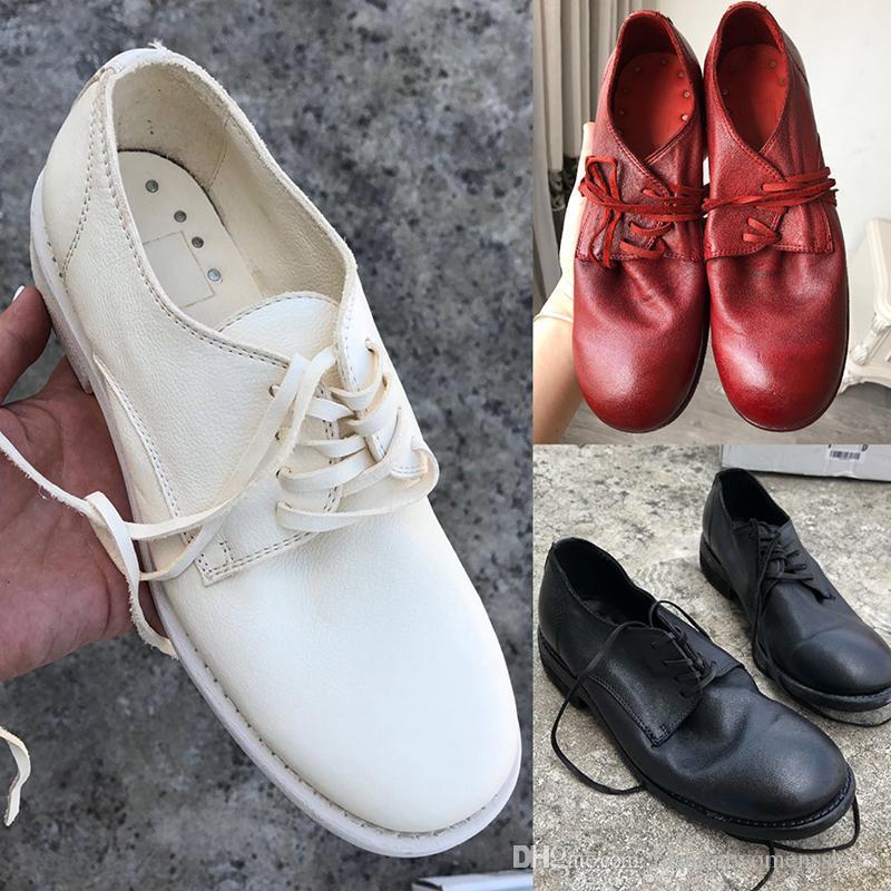 2020 Sapatos de Womens Womens de Alta Qualidade com estilo britânico Rodada dedo do pé de cavalo macio Lace-up e Goodyear Craft Sole 992 Botas de Trabalho