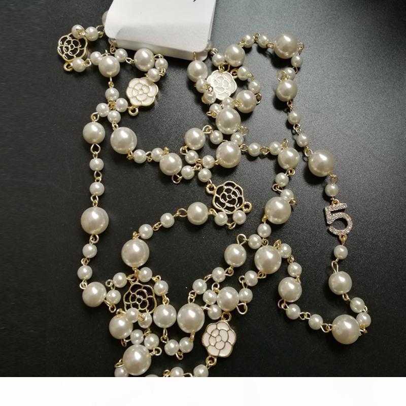 Einzelne Schichten Simulieren-Birnen-Korn-Kamelie-Blumen-Halskette Kristall pflastern Blumen-Camelia Collres Womans Schmuck Luxus