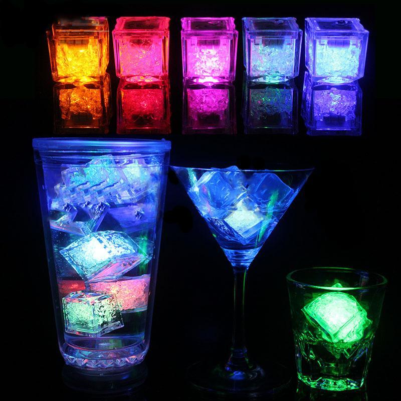 Parpadeo del cubo de hielo fluorescente LED flash de inducción Luz de hielo artificial inducción barra de bloques de boda Champagne Material BH1773 CY