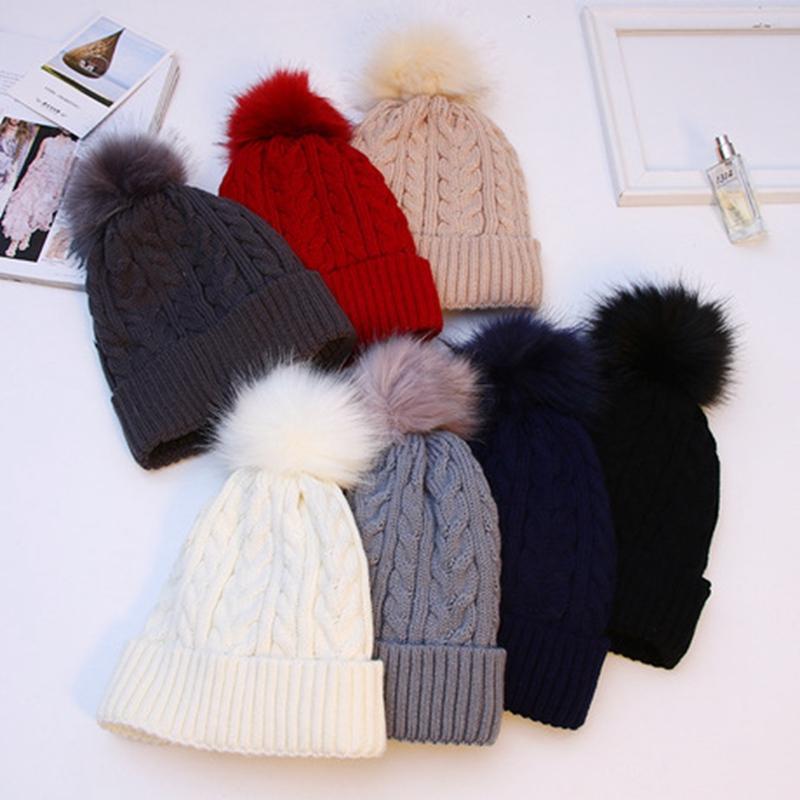 WZCX cor sólida manter aquecido Mulheres Chapéu de Inverno Engrosse Outono Inverno Moda exterior Tide Stripe Pompom Gorro Hat
