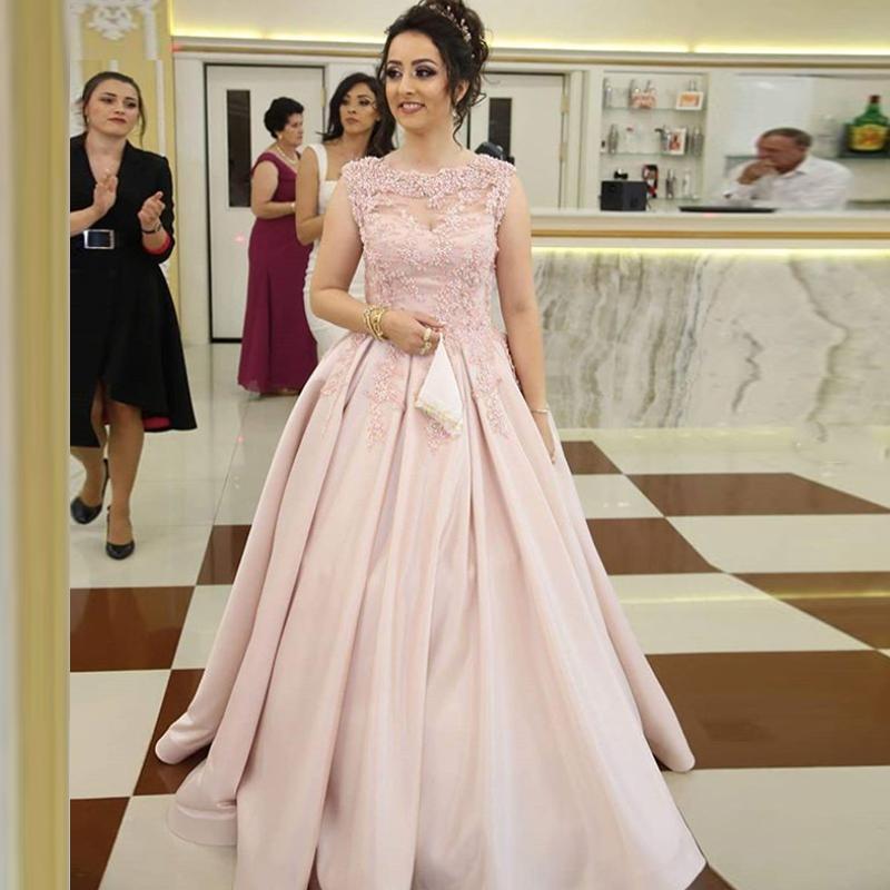 Rose Prom Robes longues appliques à encolure bateau satin longueur de plancher SOIRÉE Robes Robe de mariée