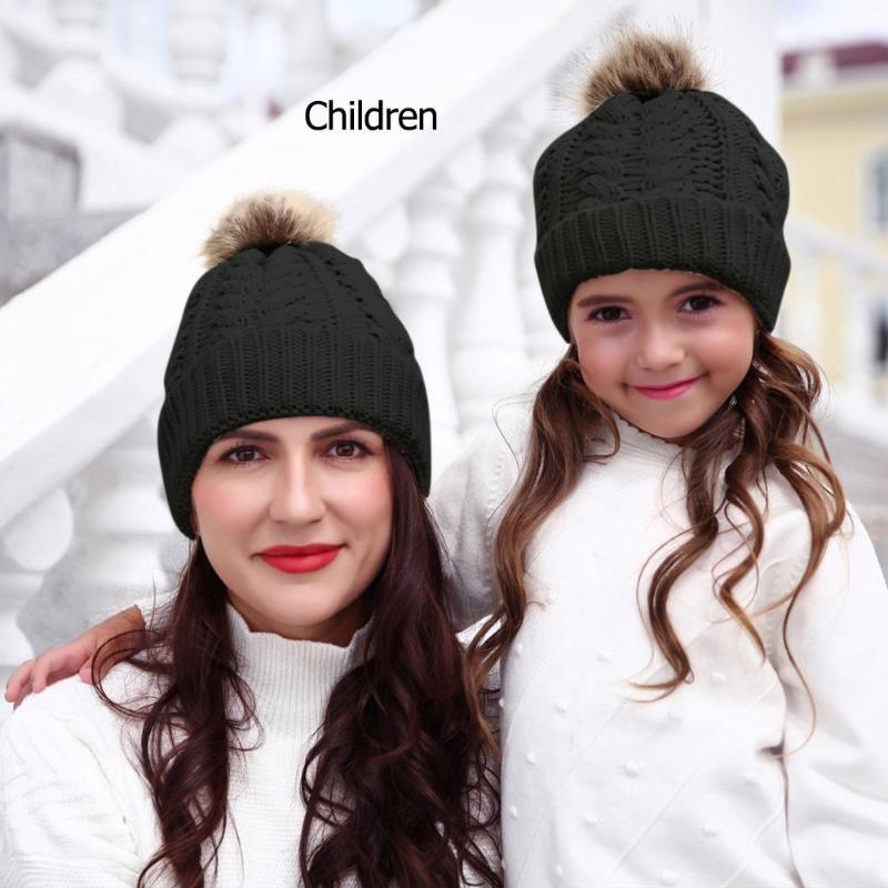 Le fibre del Crochet del bambino del cappello acrilico protezione del capretto del cappello del bambino di inverno caldo Knit Berretto con pompon colori classici e semplice design duraturo